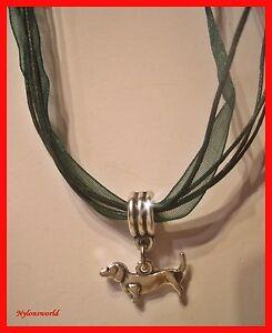Huebsche-Halskette-Dirndl-Trachten-Kette-mit-Dackel-Anhaenger-NEU-c671