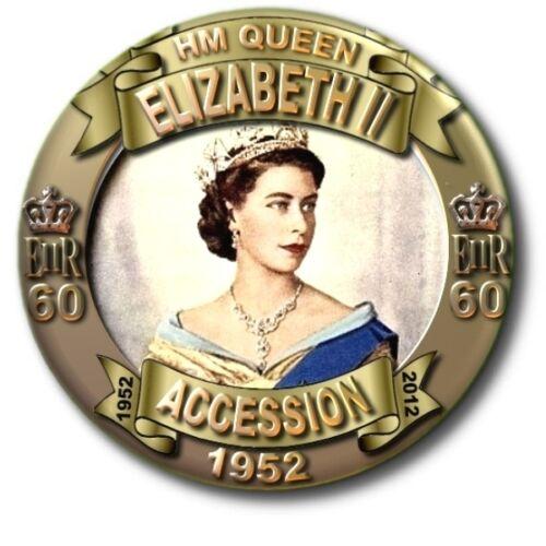 """HM QUEEN ELIZABETH II COMMEMORATIVE STUNNING! 25 MM// 1 /"""" BUTTON BADGE"""