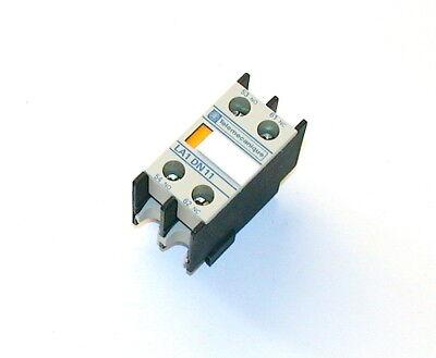 NEW SIEMENS AUXILIARY CONTACT BLOCK MODEL 3RH1-921-1KA11 2 AVAILABLE