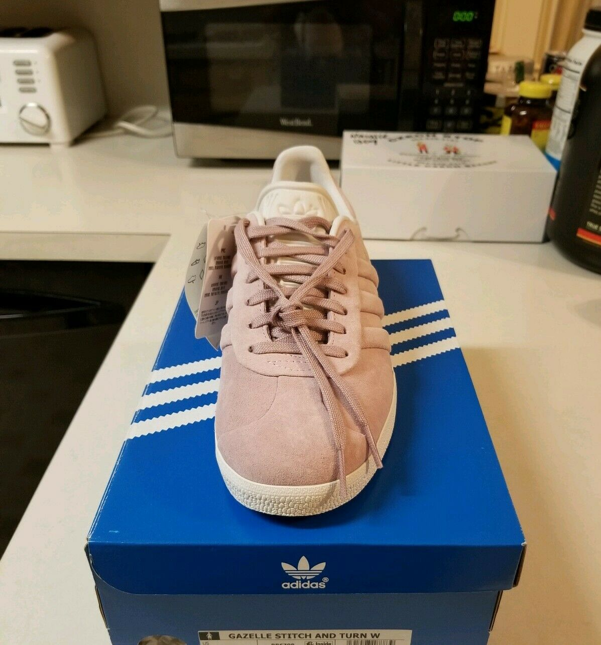 08dba4dfb ... New New New sz 8 Women s Adidas Gazelle Stitch and Turn Casual shoes  Pink White a73e8e ...