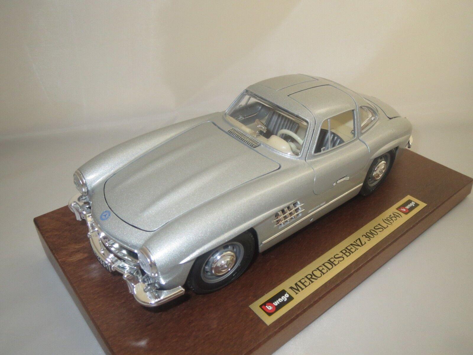 Bburago  Mercedes-Benz 300 SL  1954   auf Holzplatte  (silber-met.) 1 18  OVP  | Online Kaufen