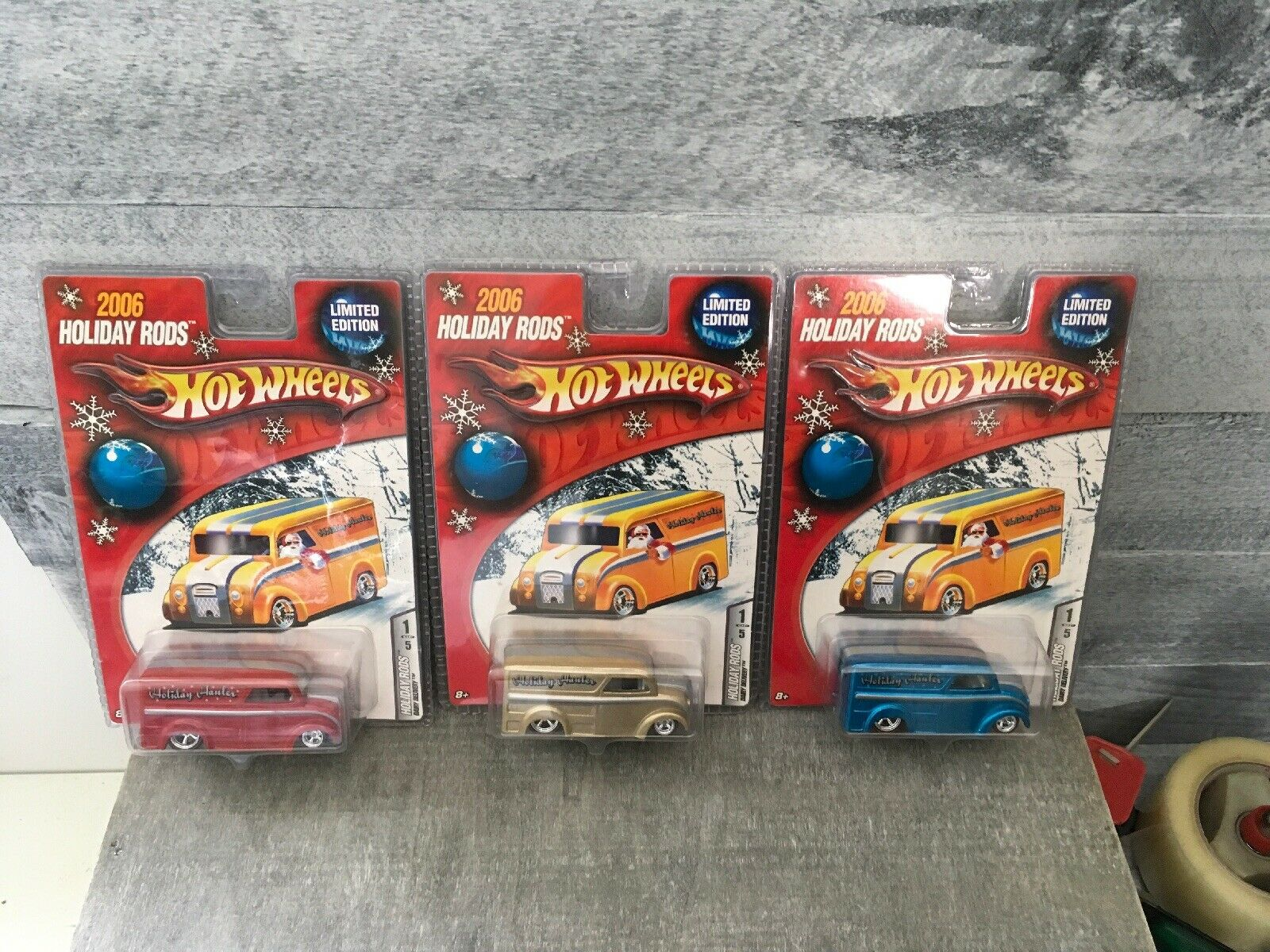 Hot Wheels 2006 Holiday Rods Lot Of 3 Dairy Deliveriy With Real Riders Nice