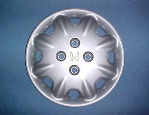 1996-1997-Honda-Accord-15-034-USED-FACTORY-HUBCAP-WHEELCOVER-HUB-CAP-44733-SV4-A100