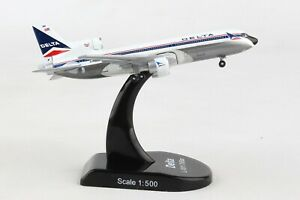 POSTAGE-STAMP-DELTA-AIRLINES-L-1011-034-TRISTAR-034-1-500-SCALE-DIECAST-METAL-MODEL