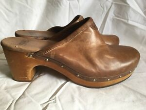 c77707d16dc Details about UGG AUSTRALIA ABBIE BROWN LEATHER WOODEN CLOGS STUDDED SIZE  WOMEN'S 10 M