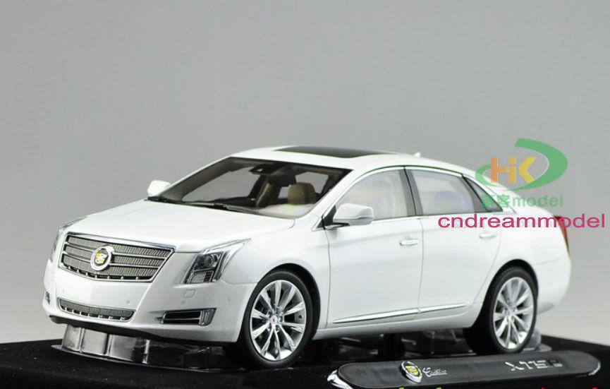 1 18 Cadillac XTS 2014 Die Die Die Cast Model White 878896