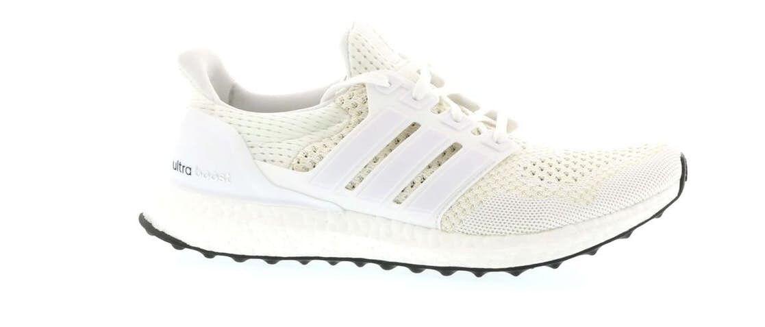 Adidas Ultra sz11- Boost 1.0 Triple White sz11- Ultra Deadstock d50b2e