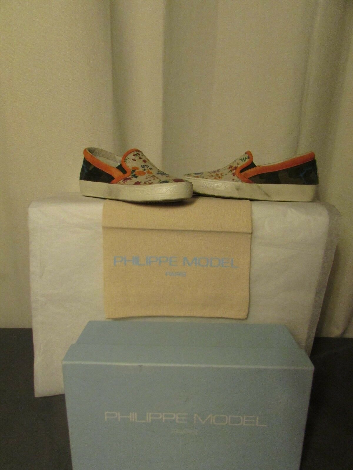 Baskets bas philippe model  camouflage/orange/bluette pointure 36