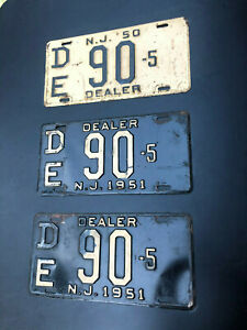 1951-NJ-DEALER-LICENSE-PLATE-PAIR-DE90-5-AND-1950-DE90-5