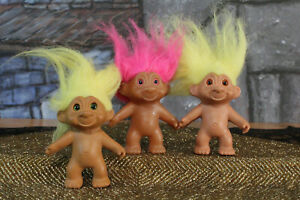 """YELLOW AND BLUE HAIR Lot of Three Vintage Troll Dolls Made in Korea 2 1//2/"""" PINK"""