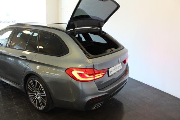 BMW 530d 3,0 Touring M-Sport aut. - billede 4
