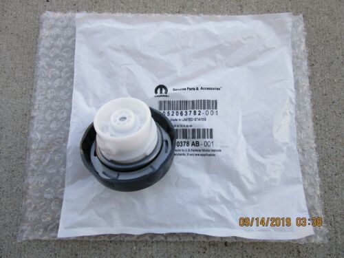 15-16 RAM 1500 3500 2D//4D PICKUP CAB CHASSIS FUEL GAS TANK FILLER CAP OEM NEW