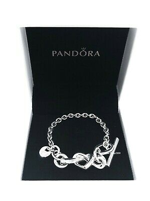 Chain bracelet with heart and T bar closure