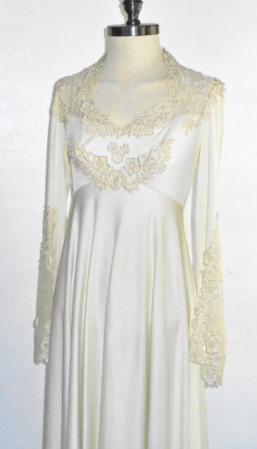 Vintage late 1970s Wedding Dress  Full Length Off white w Lace Trim  Stunning