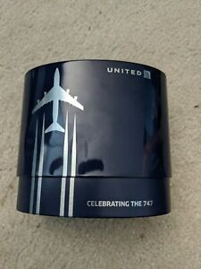 Collectible-United-Airlines-034-Celebrating-the-747-034-Amenity-Travel-Kit
