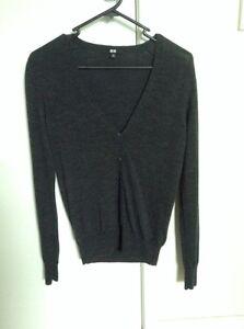 V-Neck-Knit-XS-100-merino-wool