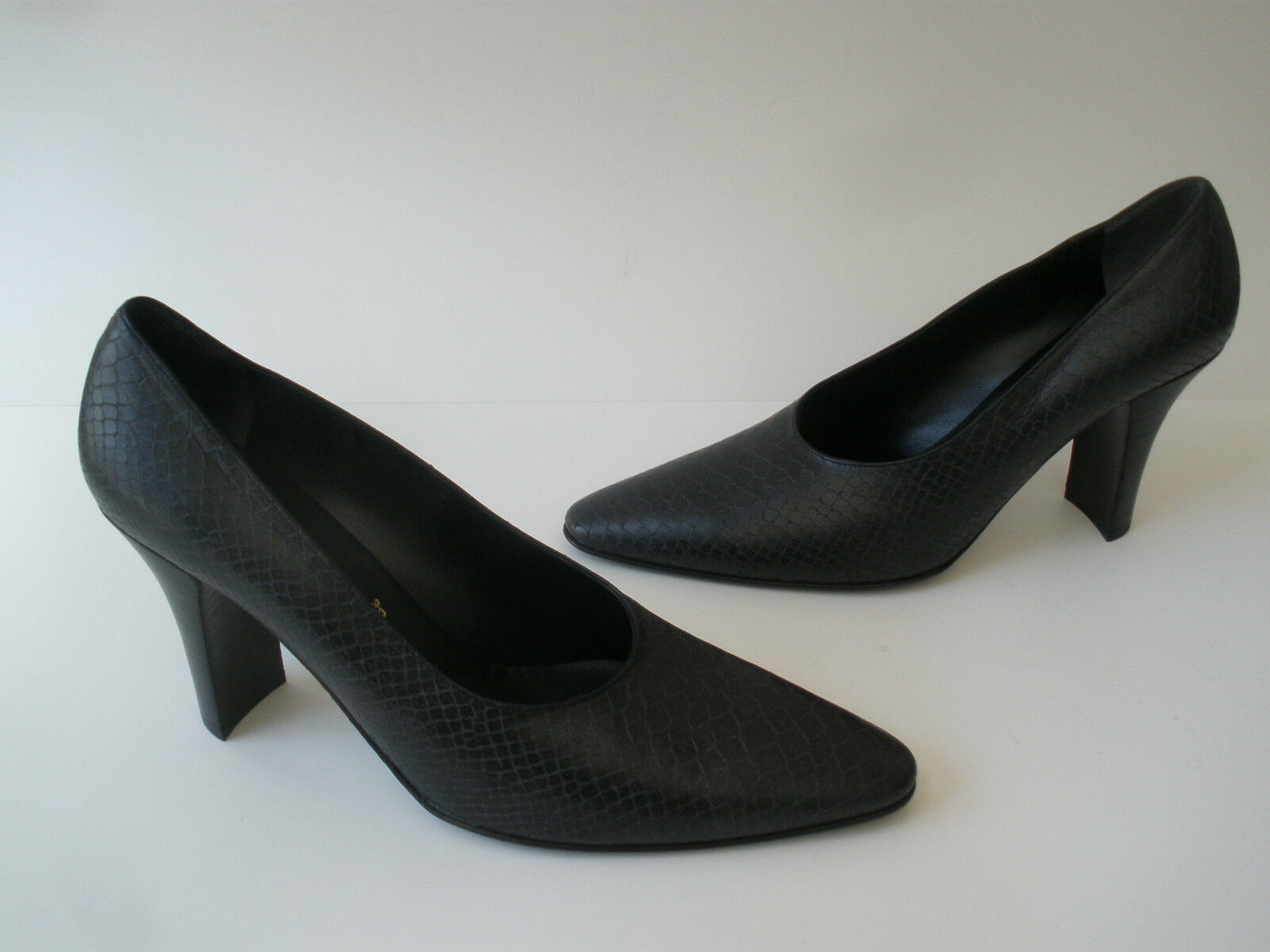 ROBERT CLERGEIRE PARIS LEATHER PUMP HEELS 9.5 HOT MADE IN FRANCE 495