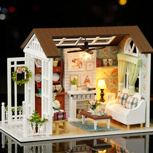 AU Mini Wooden Dollhouse Miniature Doll House LED Lights Music Furniture DIY Kit