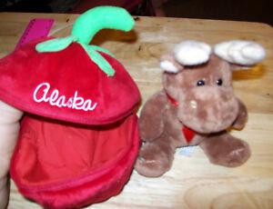 Alaska-Stuffed-Animal-Alaska-Berry-Patch-Friends-Cute-Moose-in-berry-NEW