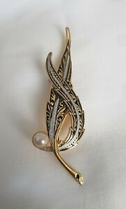 Vintage-Damacene-Toledo-leaf-leaves-Brooch-Pin-goldtone-black-faux-pearl