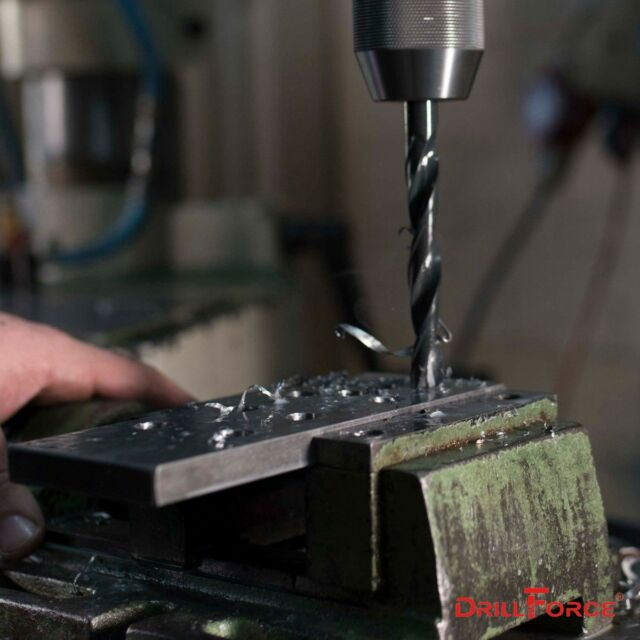 10 pcs GREENFIELD #22 Jobber Length HSS Twist Drill Bits Black Oxide 311222 USA