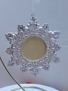 Snowflake-Photo-holder-Christmas-Ornament-picture-frame-holds-2-034-X-2-034-picture