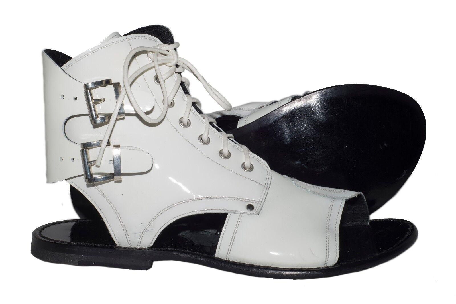 Scarpe casual da uomo  Jo Ghost 1584 Italian uomos white patent leather sandals with zipper, laces