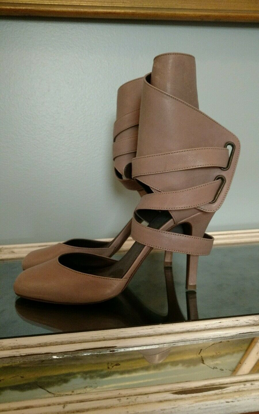 J crew Womens pumps Leather  size 7