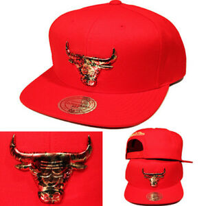 Mitchell   Ness Chicago Bulls Red Snapback Hat Floral Metallic badge ... 28d2ae98a5a4