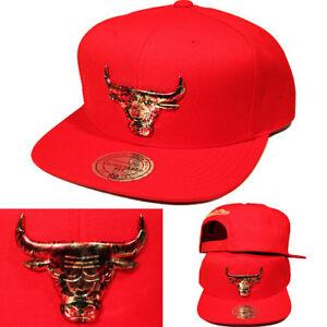 Caricamento dell immagine in corso Mitchell-amp-Ness-Chicago-Bulls-Rosso -Snapback-Cappello- ebbee572e9a0