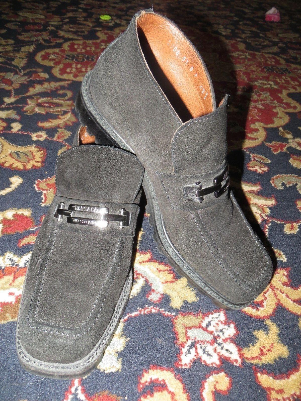 il più recente Versace Classic V2 V2 V2  Uomo nero Suede Ankle avvio Formal scarpe EUR 42 US 9  benvenuto per ordinare