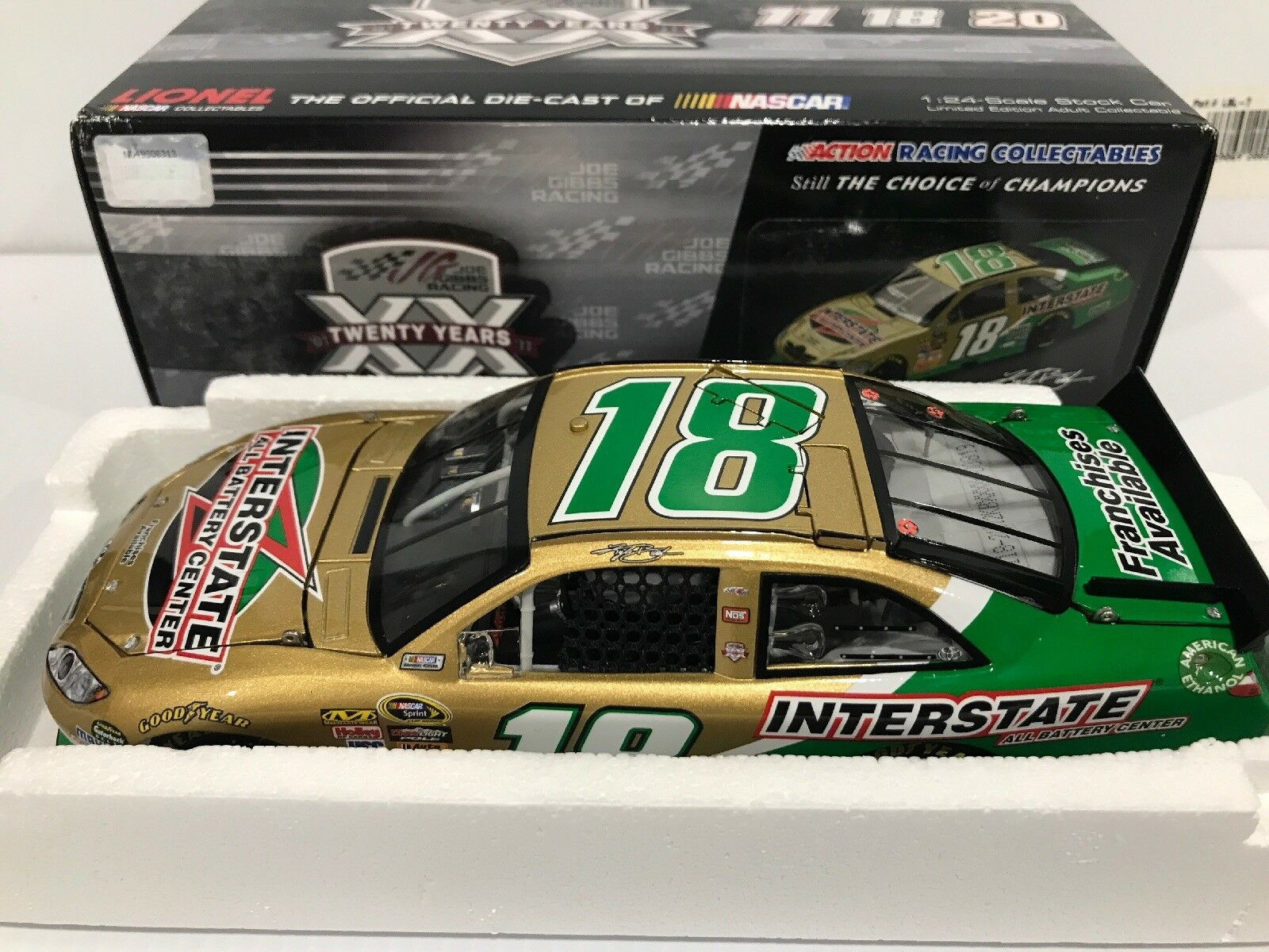 2011  Kyle Busch Interstate All Battery Center