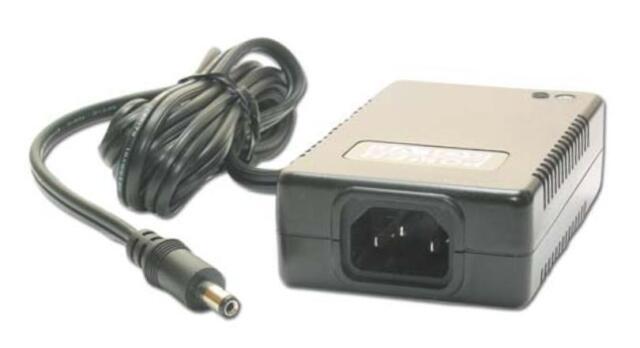 2,5A 24V DC Universal Stecker Netzgerät 60W 2500mA Trafo Netzteil Adapter AC/DC