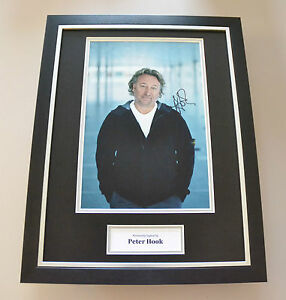 Peter-Hook-Signed-Framed-16x12-Photo-Autograph-Display-Joy-Division-Memorabilia