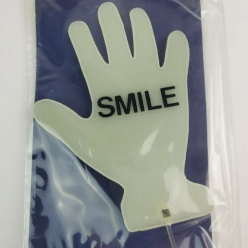 1979 Bob /'n Glow Waving Hand Suction Cup for Car Window Glow in Dark New Smile