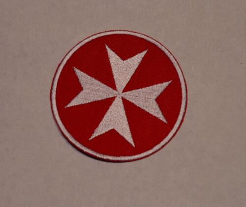 broder et thermocollant fond rouge 8cm patch croix de malte