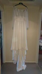 Beautiful-off-white-Romantica-Medieval-Wedding-Dress-Size-12