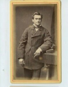 Vintage-CDV-Handsome-French-Trades-man-Puffy-Photo-by-V-Bobst-Paris