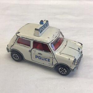 DINKY TOYS AUTO DELLA POLIZIA MECCANO Austin Mini Cooper BIANCO 7cm x 4cm Van Diecast