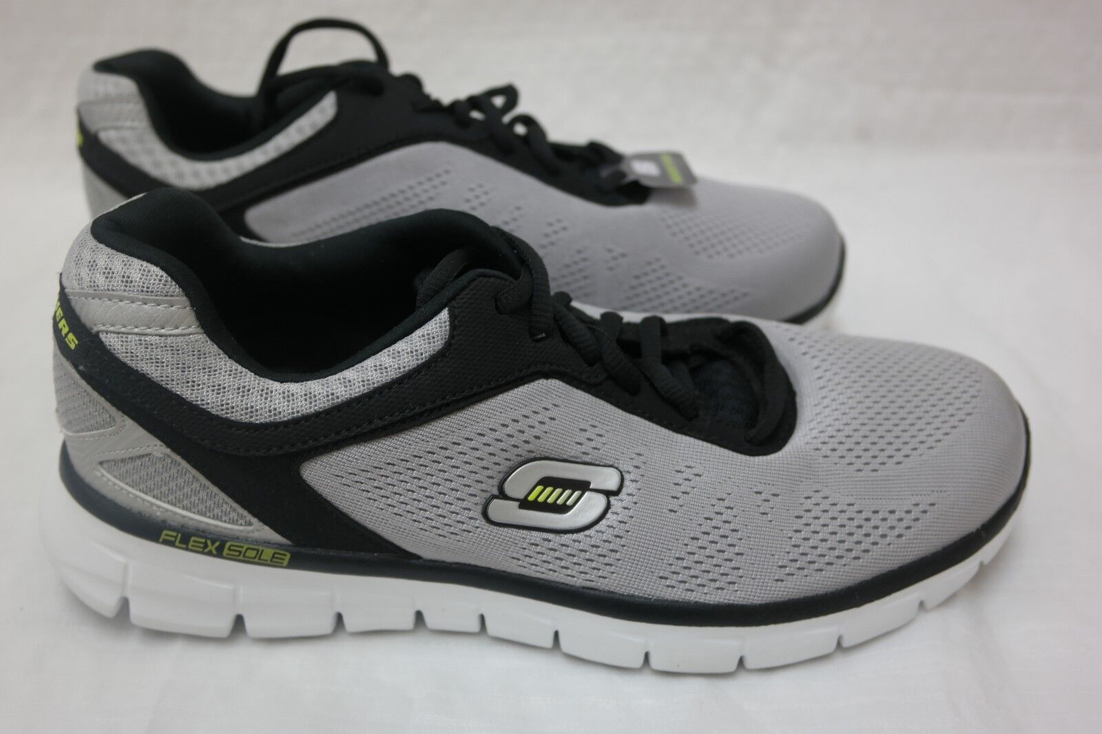 New!! Men's Skechers 50068 Skech-Knit Sneaker Light Grey/Black F30 Casual wild