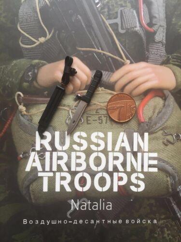 DAMTOYS Russian Airborne Troops Natalia AK-74 Bayonet loose 1//6th scale