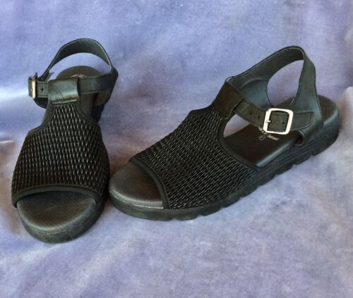 Women's Size 41 10 Worishofer Black Leather Sandal