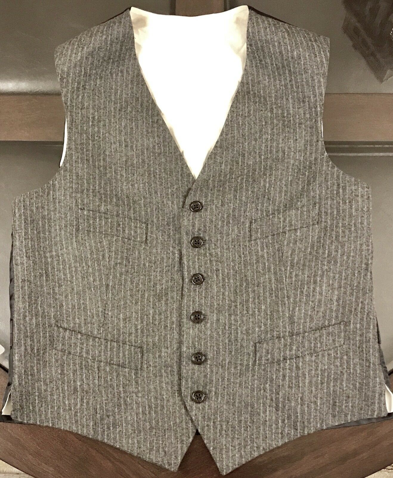 Ralph Lauren Vest 100% Virgin Wool Pinstripes Soft grau Sz 40 Made In Slovakia