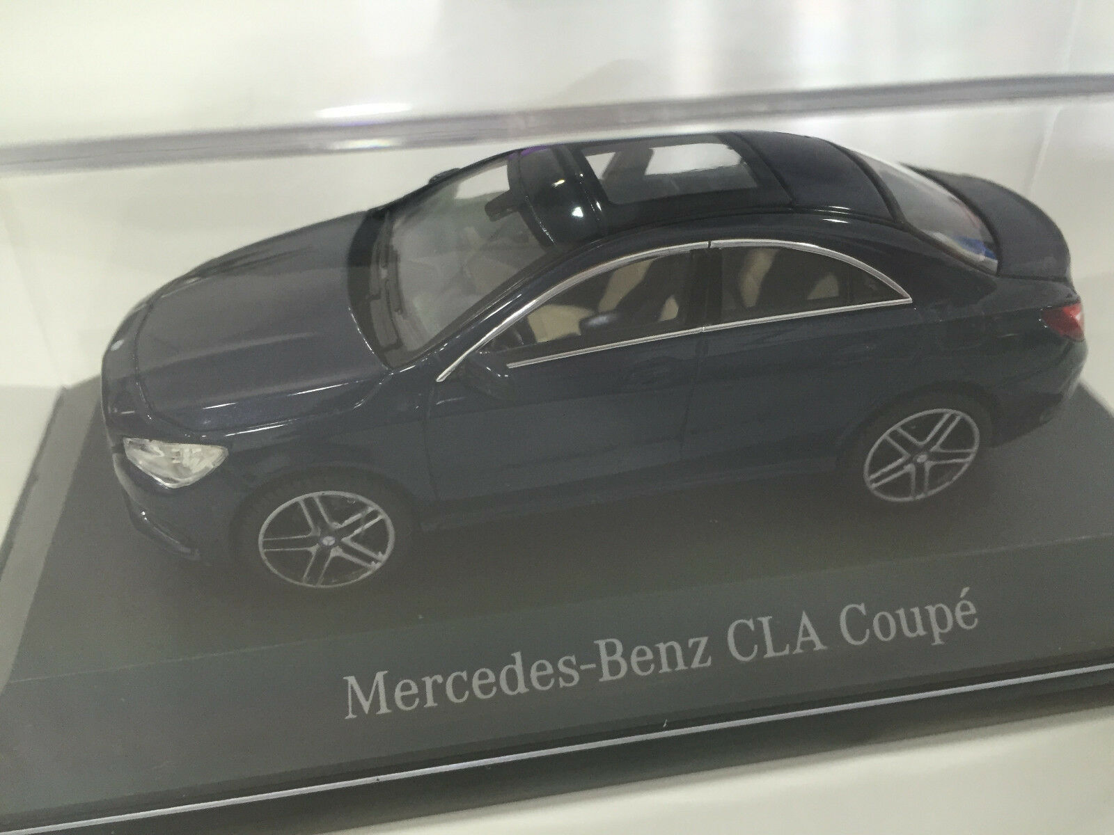 MERCEDES-BENZ CLA Coupé c117 Cavasitbleu 1 43