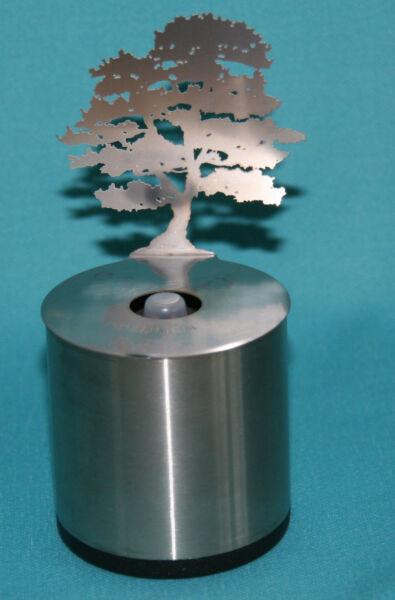 Adam Frank Lumen Parafin Lampe Öllampe Schattenspiel Bäumchen Cedar