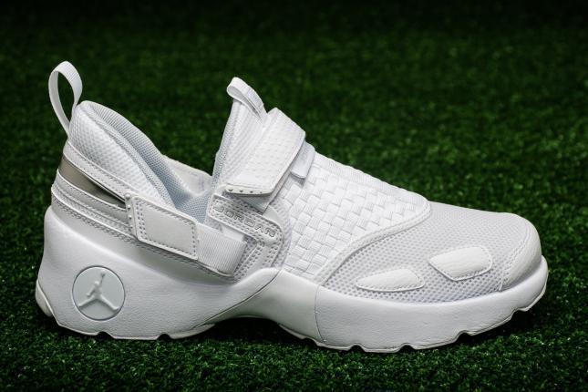 AUTHENTIC Nike Air Jordan Trunner LX Weiß Pure Platinum  897992100 Men sz