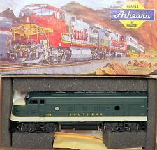 HO Athearn 3275 Super Power SOUTHERN EMD F7A Diesel Locomotive 6719 Powered NIOB