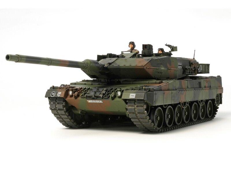 Tamiya Cochero da Combattimento Leopard 2 A6 Scatola di Montaggio