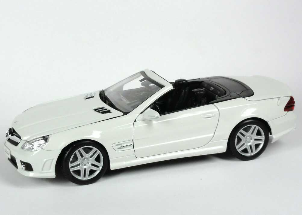 MERCEDES SL63 AMG R230 CABRIOLET PEARL WHITE 2008 FACELIFT II MAISTO 31168 1/18