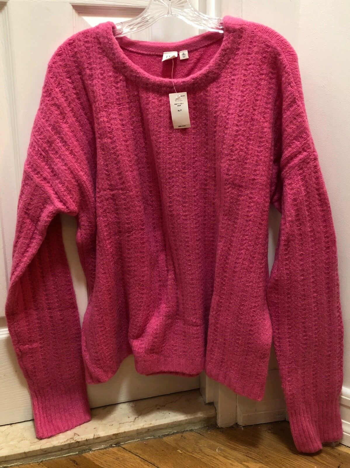 (NEW WITH TAGS) Gorgeous Candy Pink GAP Cabled Sweater XL T